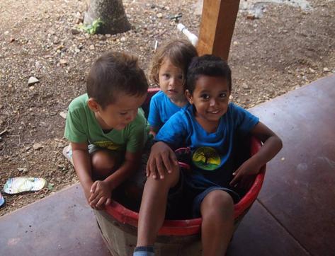 C:\Users\AMELIA ACUÑA\Pictures\Nicaragua\San Juan del Sur Day School\12032253_10153468226615589_7325253479265614947_n.jpg