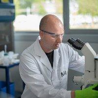 Dr. Andries van der Meer